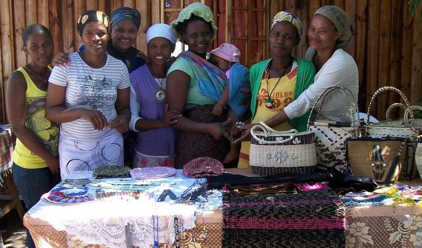 Mhani Gingi Network members pottery